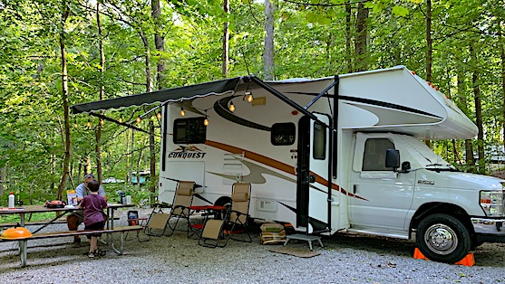 10 Best Tips for Living in a Camper Full Time