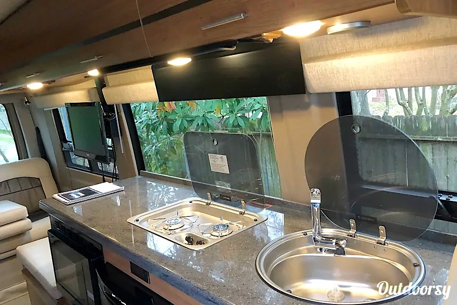 10 Best RV Rentals Houston Camper Van Int