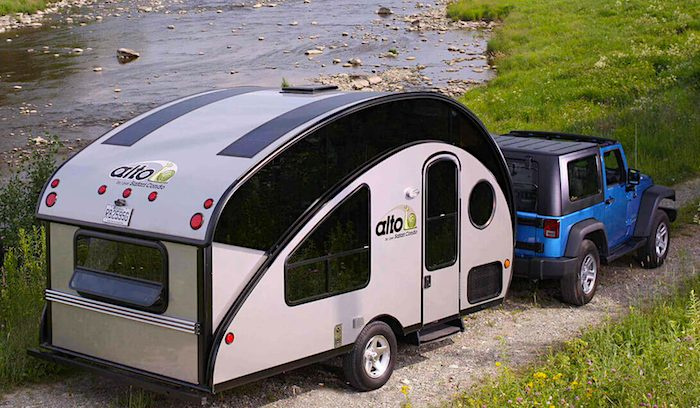 8 Best Small Campers Under 2 000 Lbs With Bathrooms Rvblogger