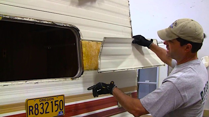 How to Remove RV Aluminum Siding