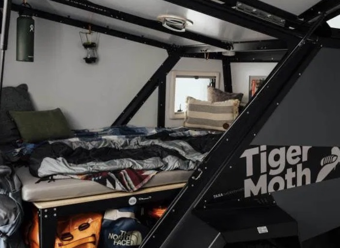 Tiger Moth off-road popup camper int
