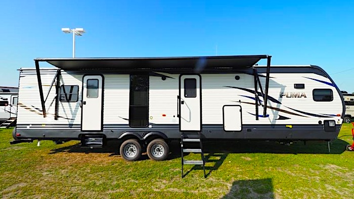 Travel Trailers with King Bed Palomino Puma 31FKRK Ext