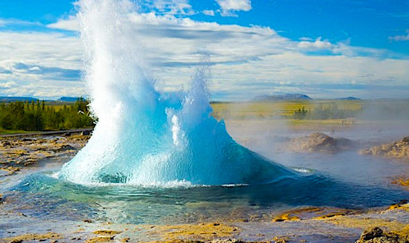 Yellowstone geyser best rv vacations in usa