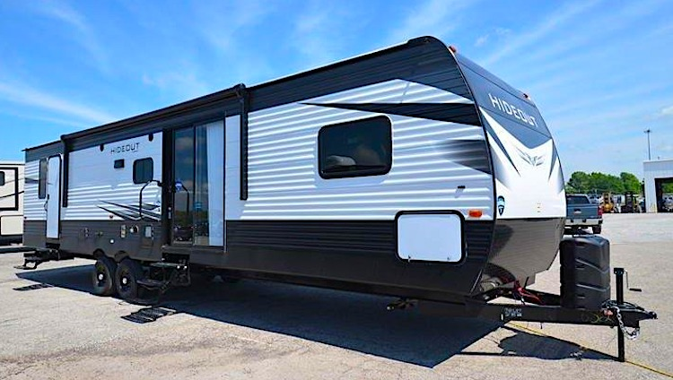 2020 Keystone HIDEOUT 38FQTS travel trailer with two bedrooms