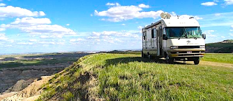 Boondocking vs RV campground