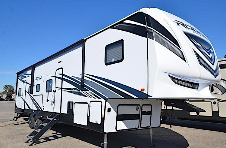 Forest River Rogue 371 5th wheel toy hauler ext
