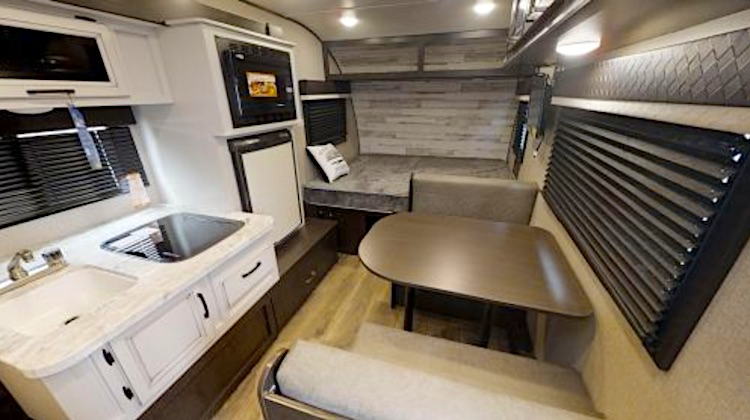 Jayco Hummingbird 17RB interior