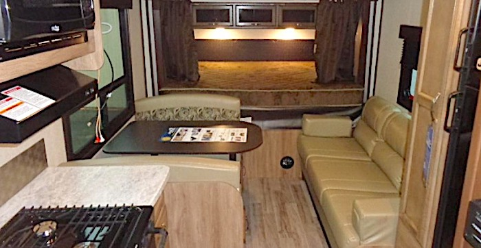 Jayco Jay Feather X21 int travel trailer with bunk beds