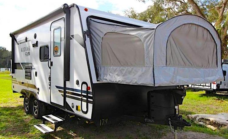 Kodiak Cub 179E hybrid travel trailer ext