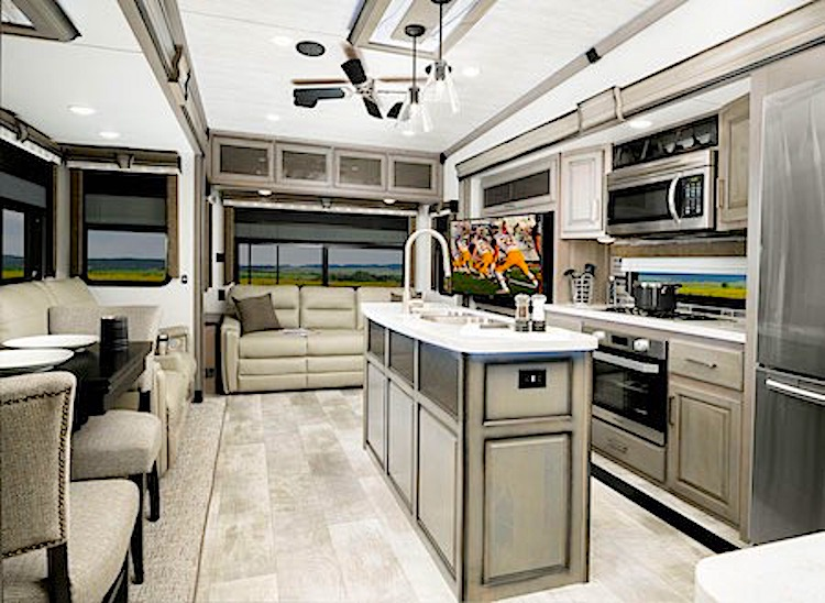 Montana High Country 377FL luxury 5th wheel int