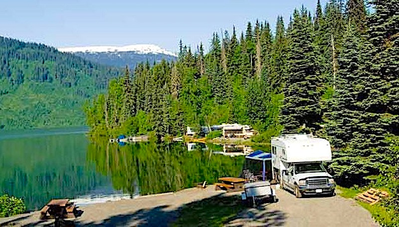 RV Campgrounds vs Boondocking Pros and Cons