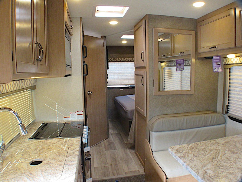 Thor Motor Coach Four Winds 22B Small Class C RV Under 25 feet int