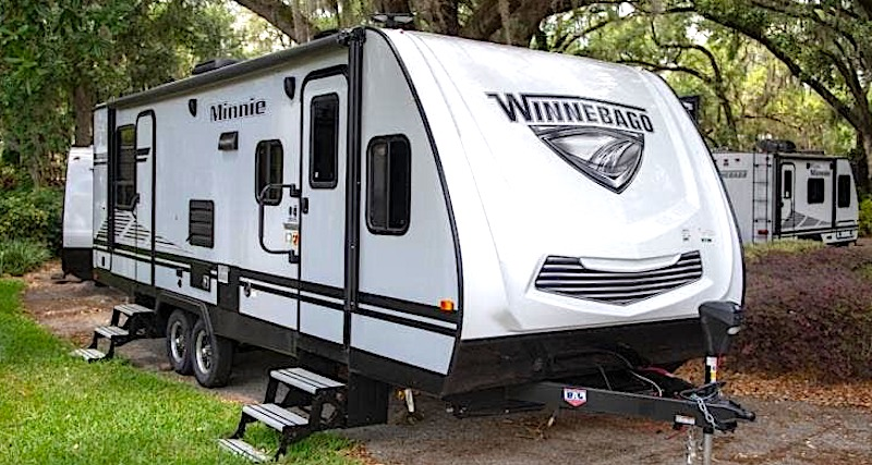 Winnebago Minnie 2201MB travel trailer with murphy bed