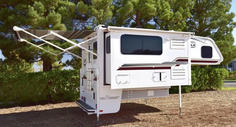 Lance 995 camper for cold weather