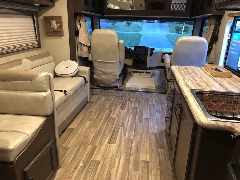 Best Class A RV Rental Knoxville Int