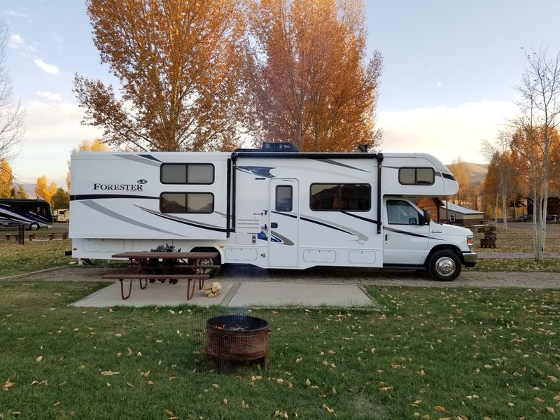 Best Class C RV Rental Knoxville Ext