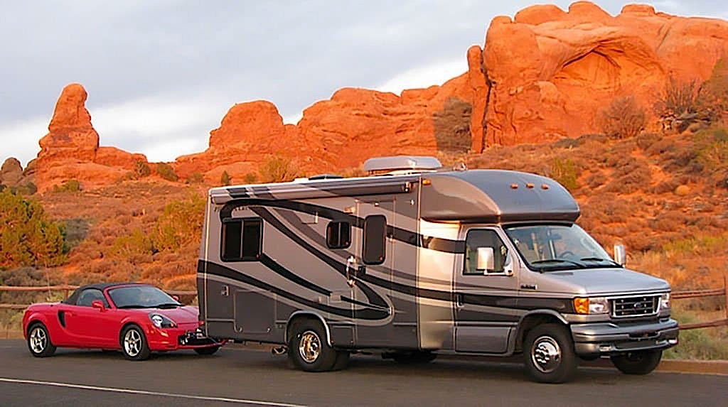 RV Tow Toad or Dinghy Tow a Trailer or Haul a Toad?