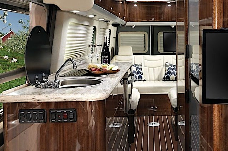 Airstream Interstate Lounge motorhome