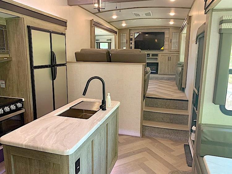 luxury 5th wheel RV rental grand junction co