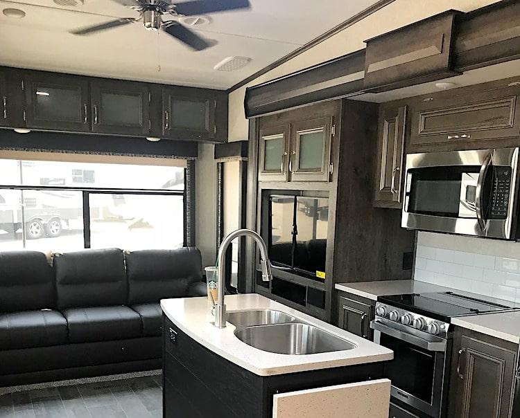 luxury 5th wheel rental memphis