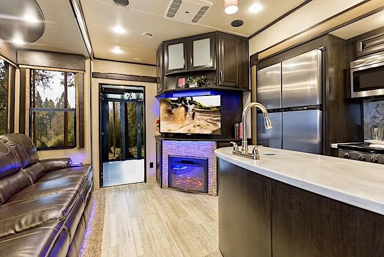 luxury 5th wheel rental yosemite