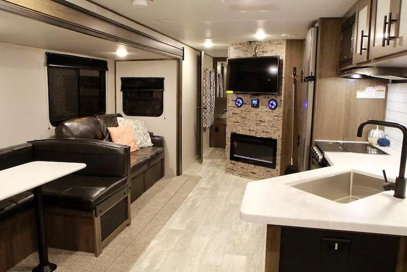 Large camper rental huntsville AL
