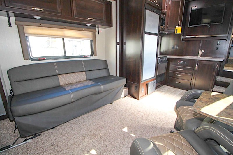Genesis Supreme 29CK Half ton 5th wheel Toy Hauler interior