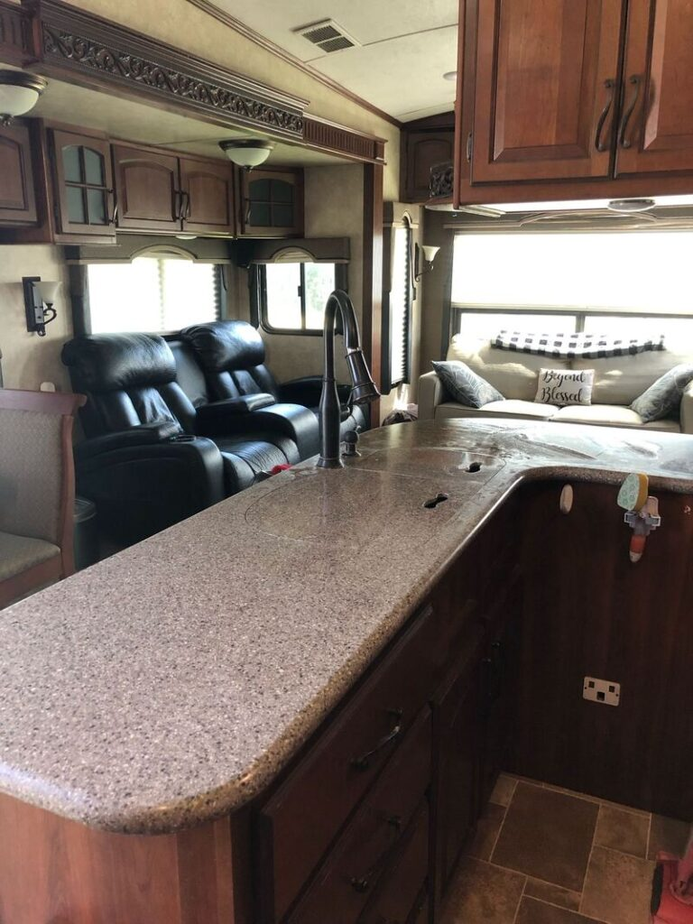 Best 5th Wheel Rental Springfield Int
