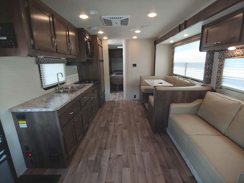 Best Class C RV Rental Wichita Int
