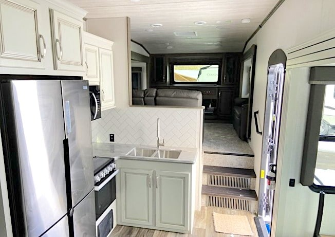 Keystone Cougar 354FLS Interior