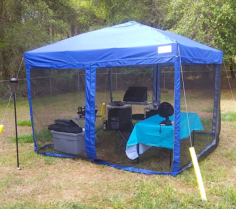 Quictent Ez Pop up Canopy with Mosquito Netting