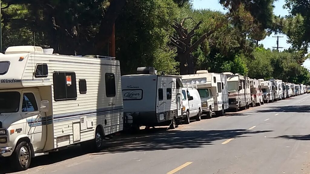 RV Campers in Mountain View2