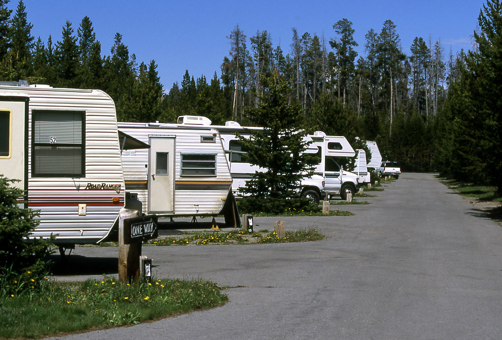 Rvs parked close together