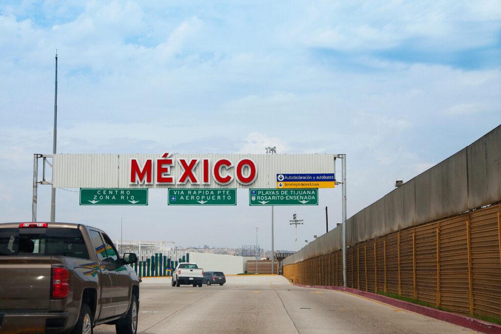 Mexico land border crossing