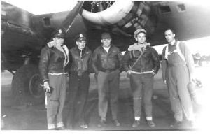"Bill ""Hoot"" Gibson (center) with his B-17 crew early in WWII"