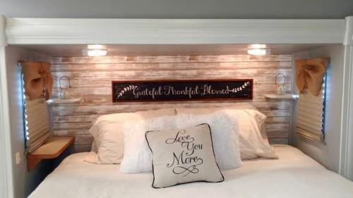 Farmhouse style RV bedroom headboard makeover by Michelle Sharp