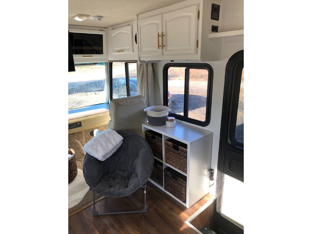 Motorhome renovation idea - book case with papasan chair