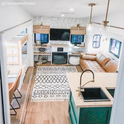 See more pics of this RV on Instagram: @UncommonFarmer