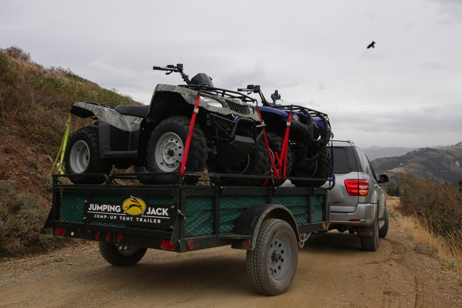 Off-road camping trailer