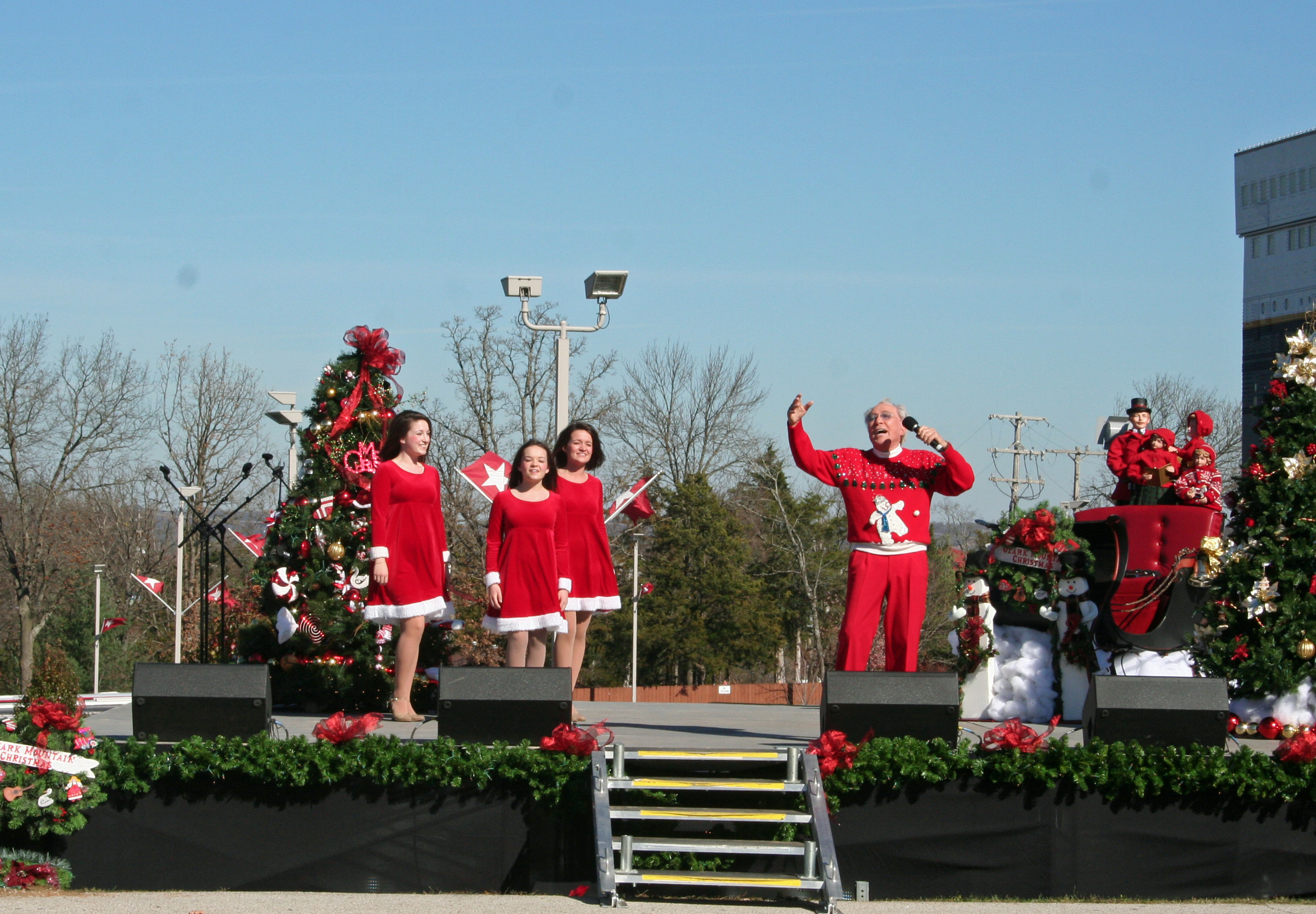 Andy Williams performing as Parade Marshall, Branson Parade of Stars