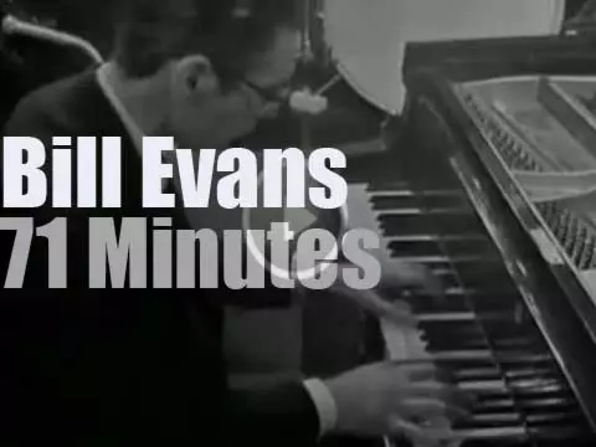 The Bill Evans Trio tapes a show at the BBC studios (1965)
