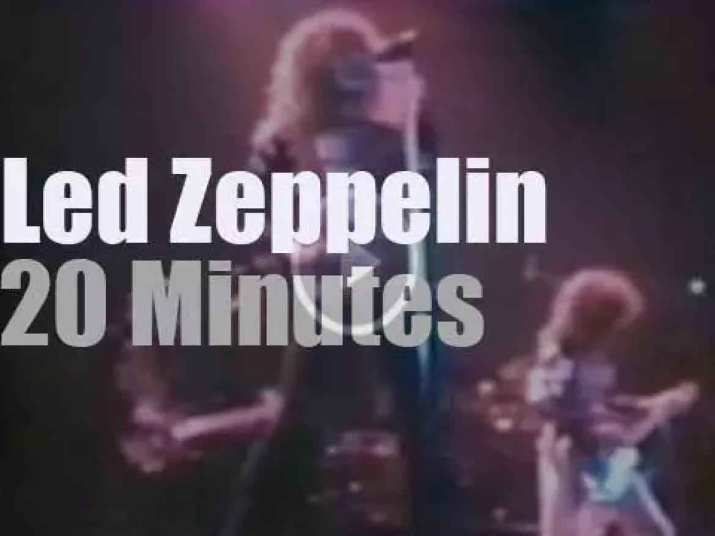 Led Zeppelin hard rocks The Forum in LA (1975)