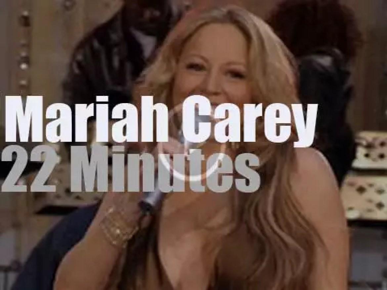 "Mariah Carey sings at ""GMA"" on Times Square (2005)"