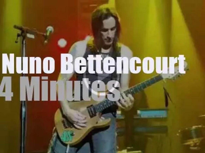 Nuno Bettencourt shreds in Vegas (2016)