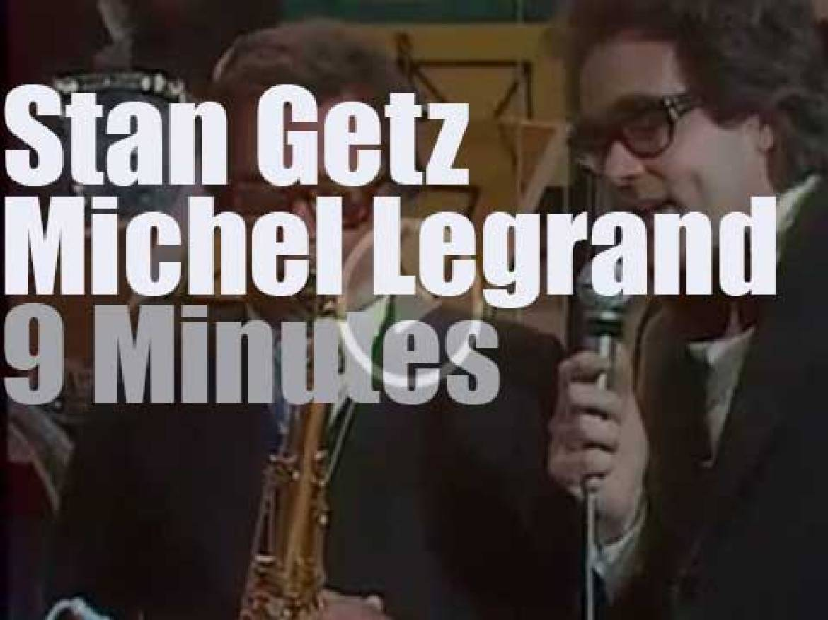 Stan Getz plays while  Michel Legrand conducts (1972)