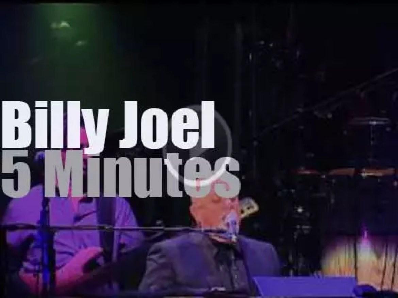 Billy Joel sings in Minneapolis (2015)