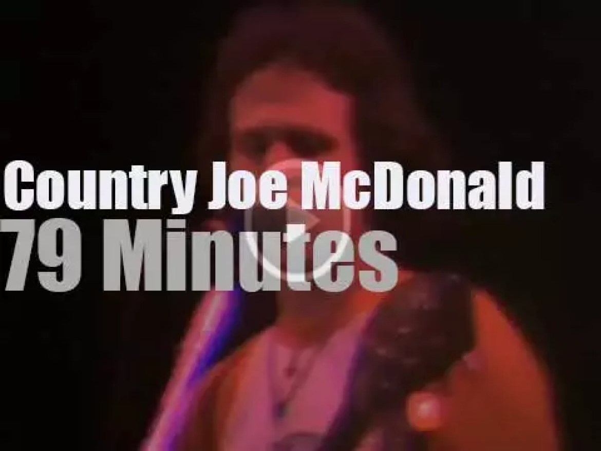 Country Joe McDonald plays for the Veterans in San Francisco (1982)