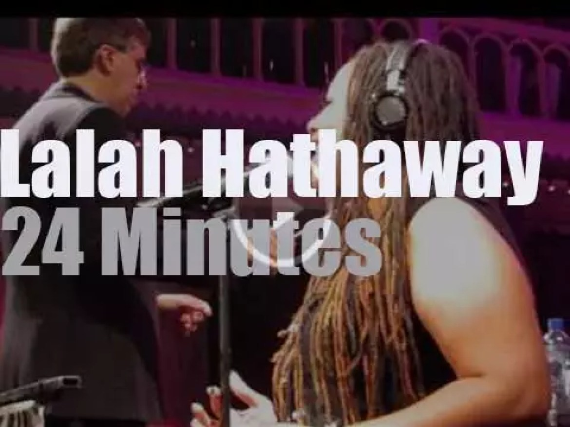 Lalah Hathaway sings with an orchestra in Amsterdam (2015)