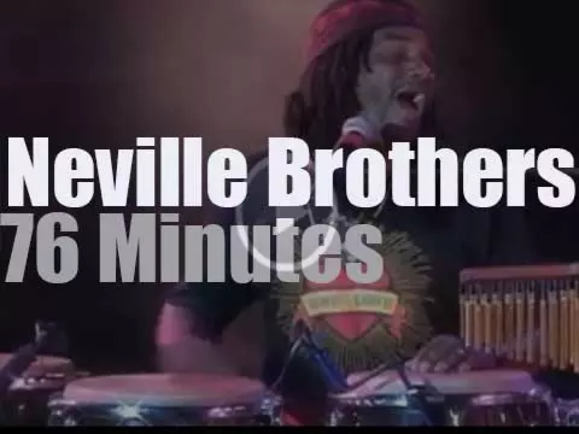 The Neville Brothers close New-Orleans Jazzfest (1991)