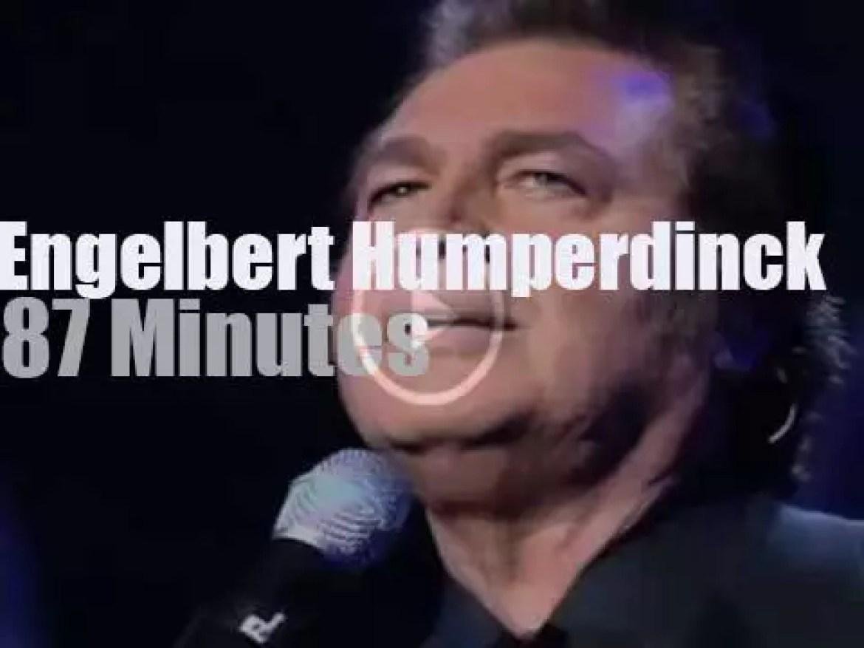 Engelbert Humperdinck sings in London (2016)